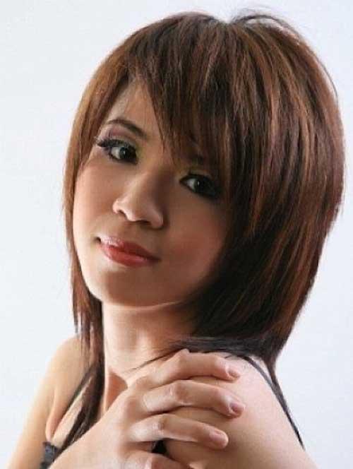 20 Chic Short Medium Hairstyles for Women of 22 by John