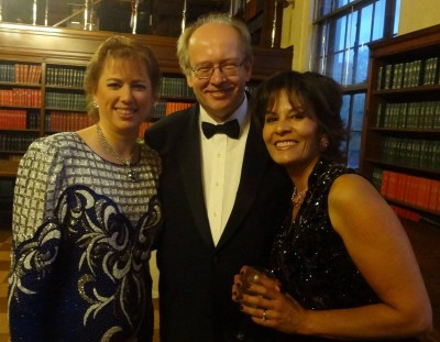 Cinda and Bob Souer with Roxanne Hernandez Coyne
