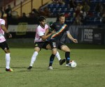 Dalton battle Rayo OKC's Michel for the ball in the second half. | Rosa Cavalcanti/Fort Lauderdale Strikers