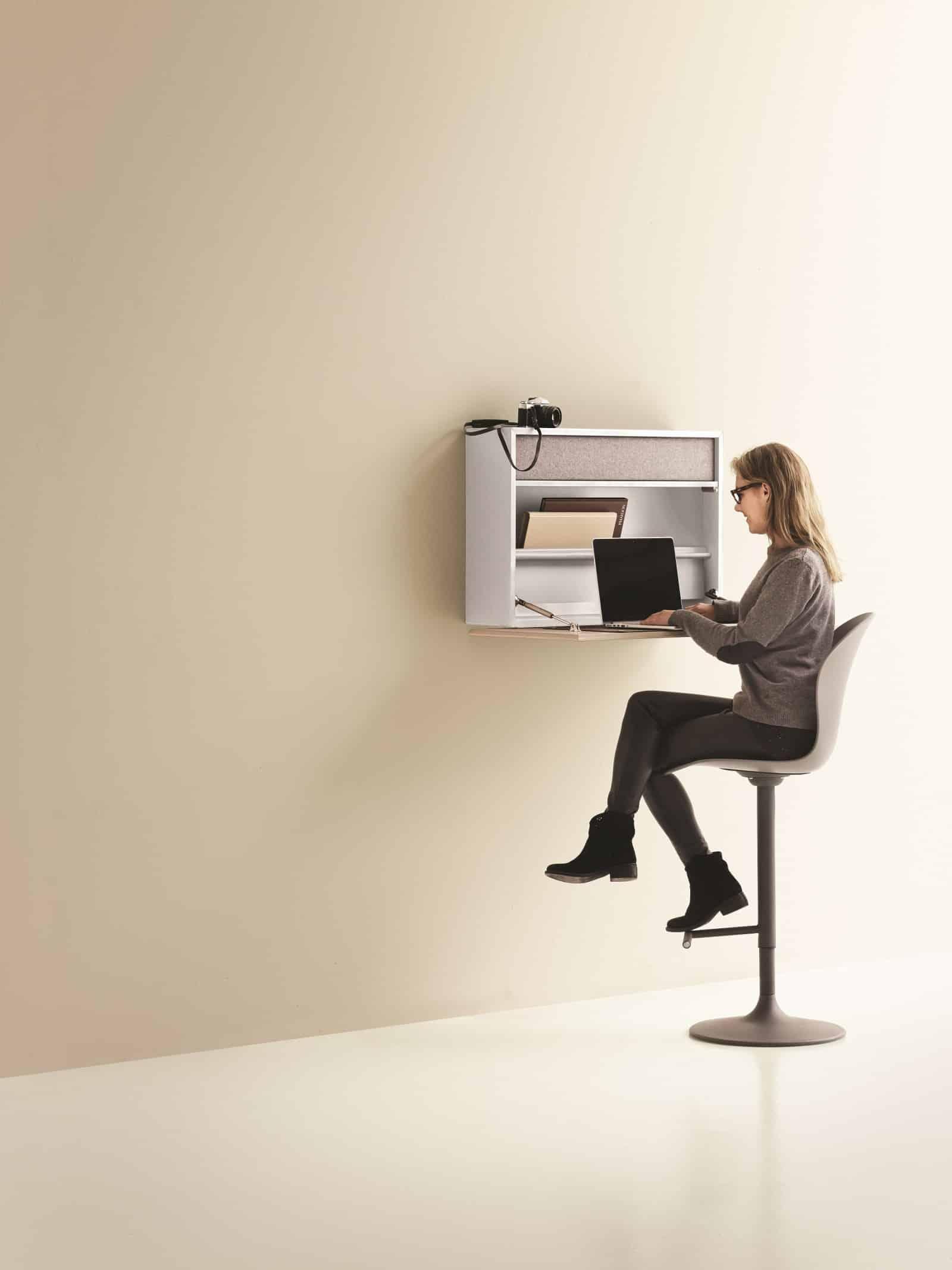 Cupertino wall office schreibtisch und schrank in einem for Platzsparender schreibtisch