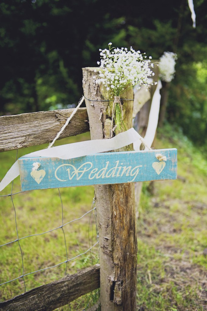 14 Rustic Garden Party Wedding By Candid & Frank Photography