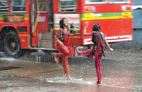Rain-dance-on-the-road
