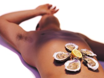 sensory-play-oysters-taste-sexy-man