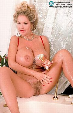 dakota fanning tits