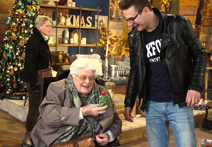 estudiantes-hogar-de-ancianos-deventer-humanitas (1)