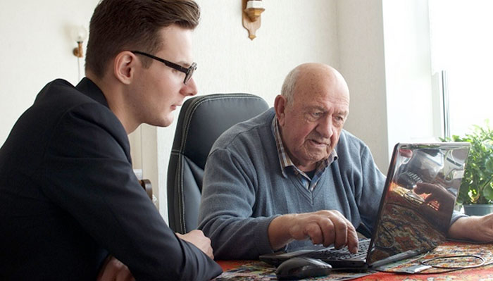 estudiantes-hogar-de-ancianos-deventer-humanitas (5)