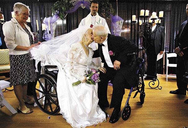 parejas-ancianas-divirtiendose (16)