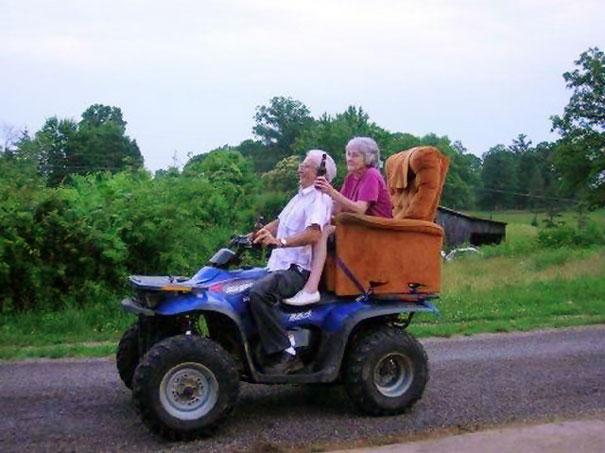 parejas-ancianas-divirtiendose (6)
