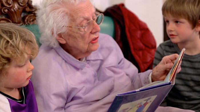 ninos-preescolar-residencia-ancianos-amistad (14)