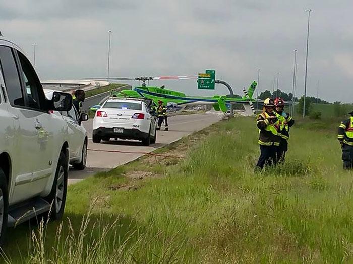 policia-distrayendo-nina-accidente-coche (2)