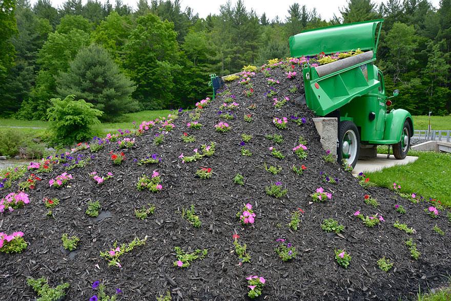 ideas-jardineria-flores-derramadas (5)