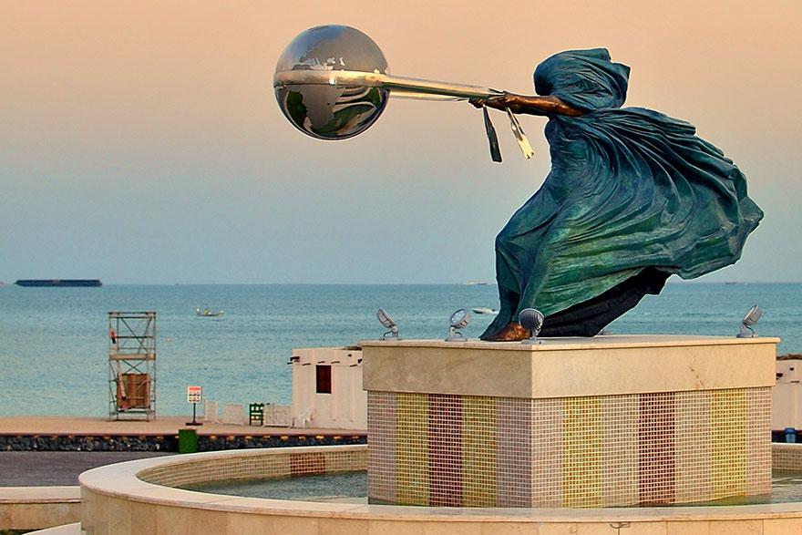 esculturas-fuerza-naturaleza-lorenzo-quinn (7)