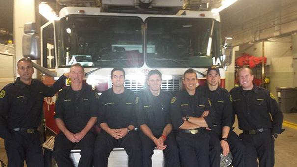 movil-perdido-bomberos-calgary-broma-nathan-buhler (10)