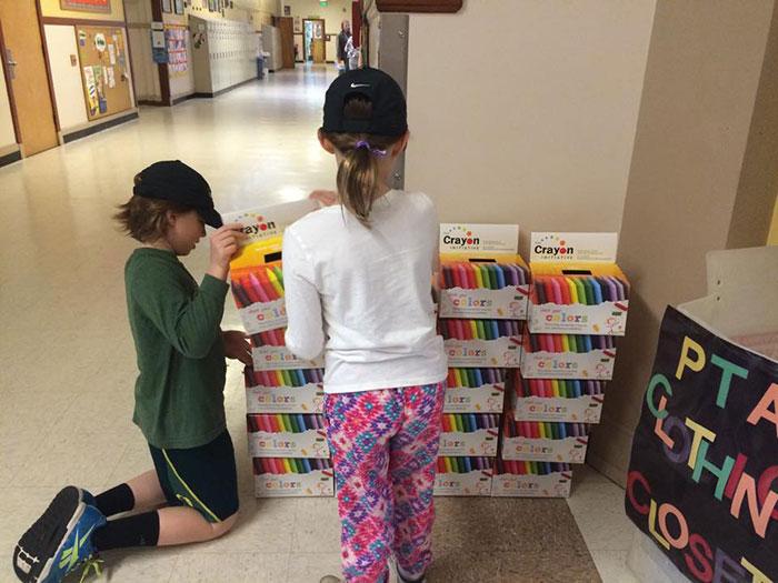 iniciativa-crayon-reciclaje-ceras-colores-hospitales-bryan-ware (9)