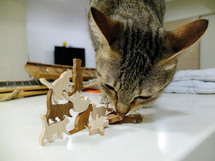 juego-jenga-gatos-comma (7)