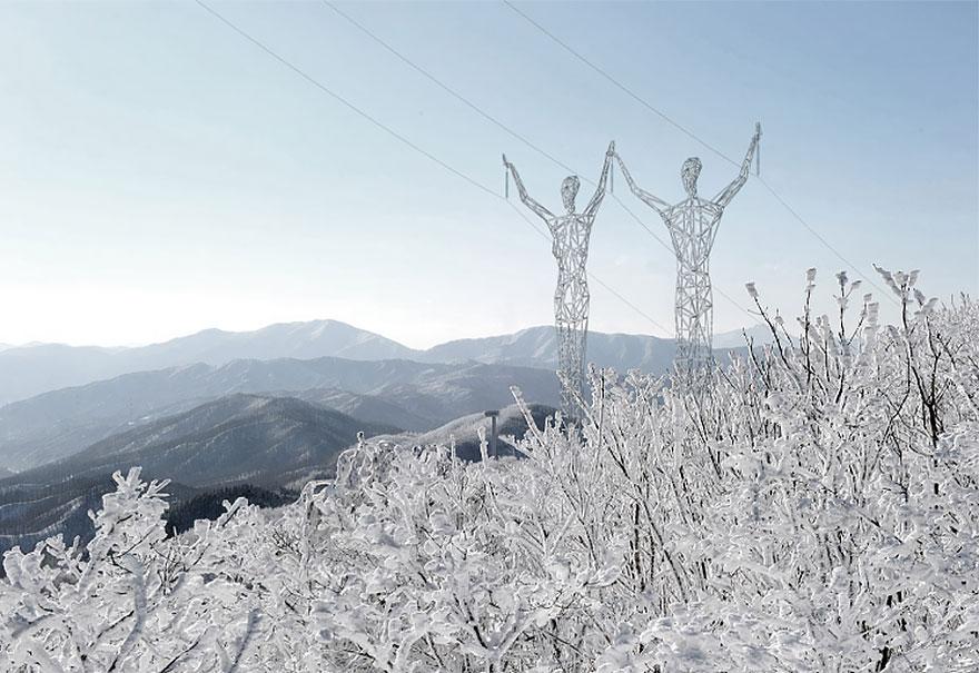 torres-electricas-gigantes-humanos-choi-shine-islandia (3)