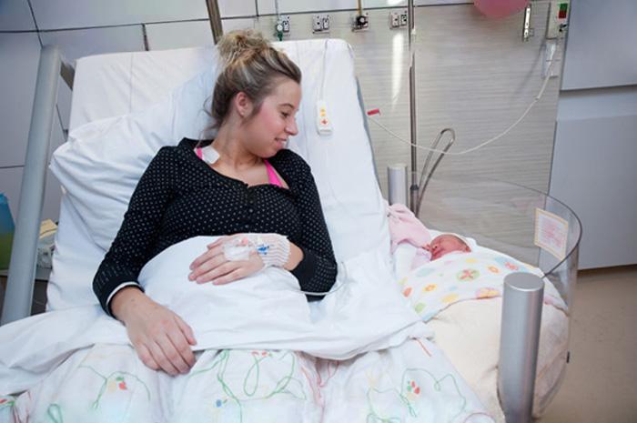 cuna-bebe-enganchable-cama-hospital-maternidad (2)
