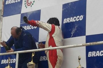 Cali Gómez en el podio
