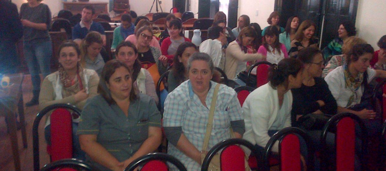 """""""Armando redes: herramientas para construir redes en salud"""""""