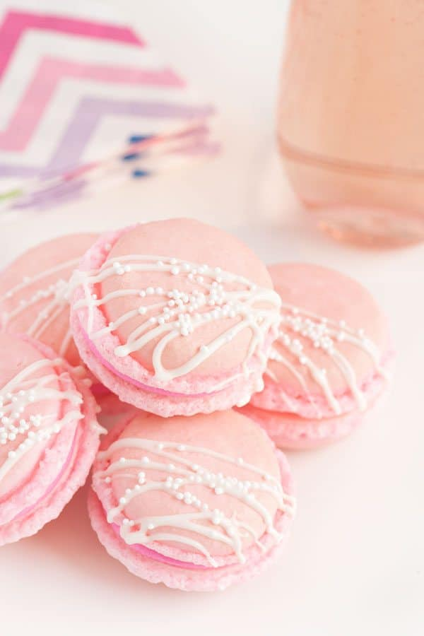 pinkchampagnemacarons-sprinklesforbreakfast