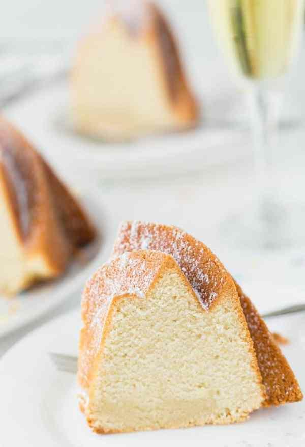 champagne-pound-cake-1