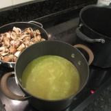 Chicken stock and mushrooms