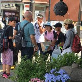 Dad talking to students at Kamakura