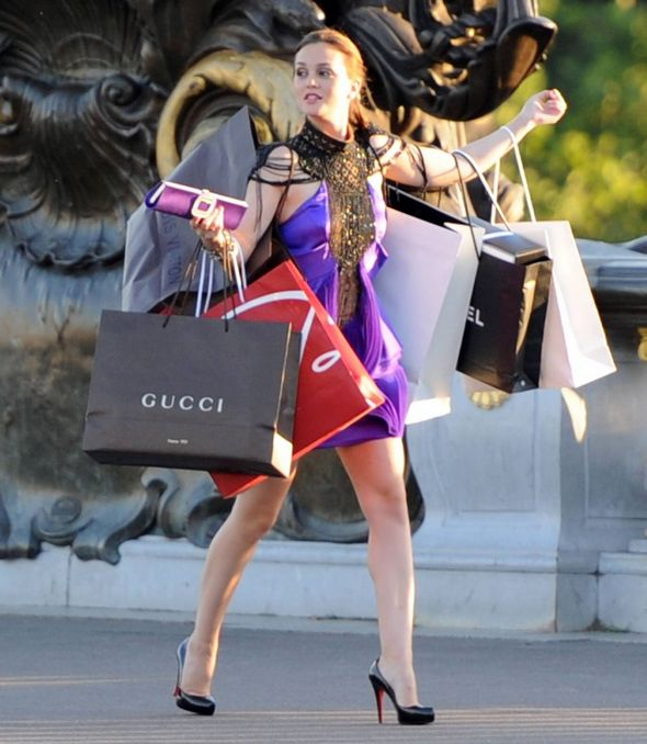 gossip girl shopping blair serena loubouton vuitton gucci chanel paris season