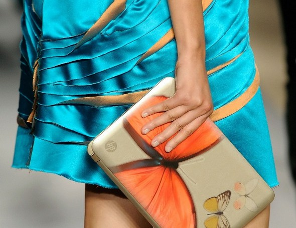 hp-enters-the-fashion-business-with-vivienne-tam-netbook