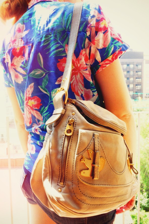 -chemise roxy hibiscus hawaii shirt short naf naf sac natasha marc by marc jacobs petal to the metal bag sac_effected