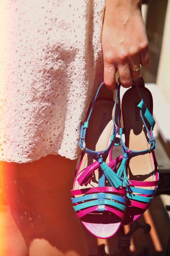sandales-turquoise-bocage-rose-spartoo-2012-robe-zara_effected