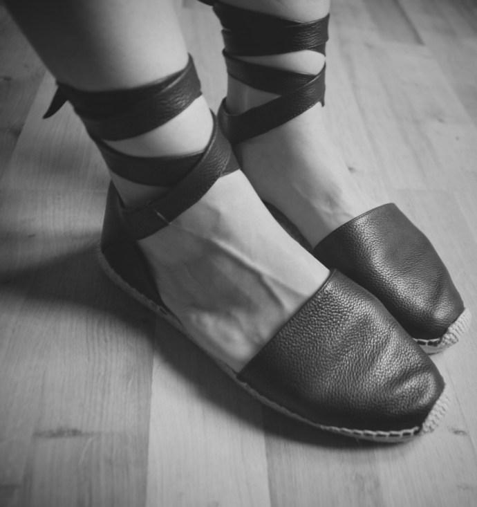 _black_noir_espadrilles_yves_saint_laurent_ysl_leather_chanel_cuir_luxe_2016_luxury_flats_shoes_espadrille_alpargatas_chaussures_été_summer