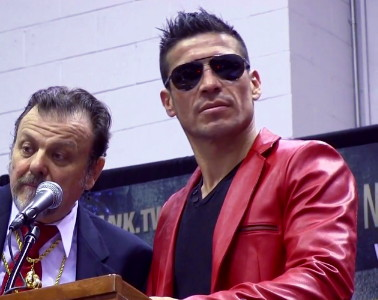 photo: sergio martinez julio cesar chavez jr