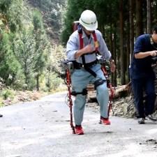 """狩猟にもOK?山中の歩行を支援する""""林業用アシストスーツ""""実用化へ"""