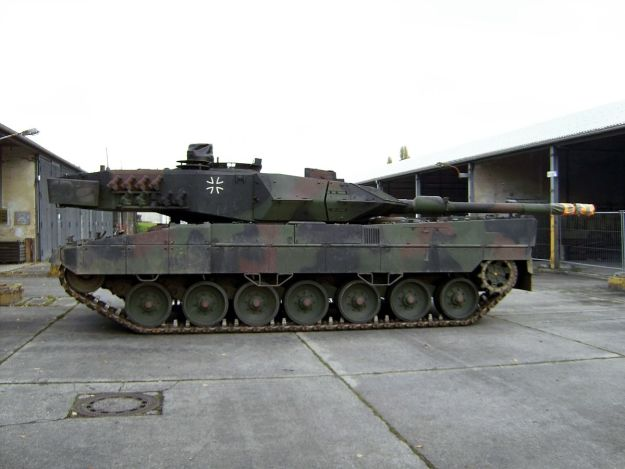 German Leopard 2A6M with turret reversed