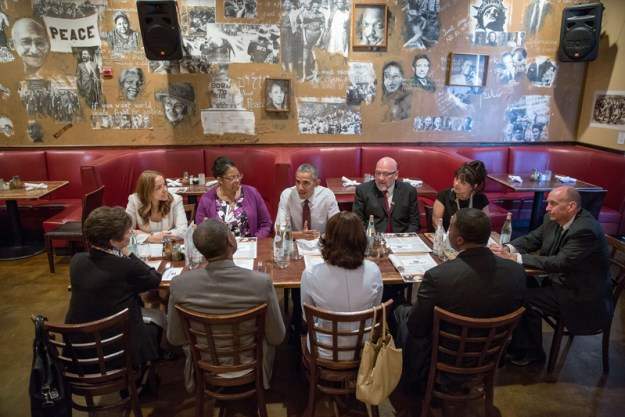 President Barack Obama meets for lunch with formerly incarcerated individuals who have received commutations, at Busboys and Poets in Washington, D.C., March 30, 2016. (Official White House Photo by Pete Souza)