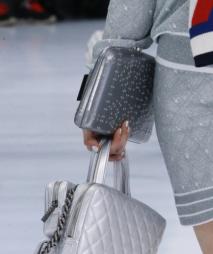 Chanel-Spring-Summer-2016-Runway-Bag-Collection-Featuring-New-Squared-Tote-Bag-22
