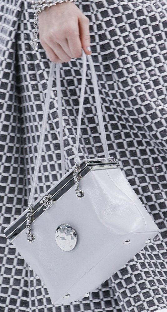 Chanel-Spring-Summer-2016-Runway-Bag-Collection-Featuring-New-Squared-Tote-Bag-8