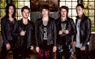 Asking-Alexandria-2015-Press-Shot