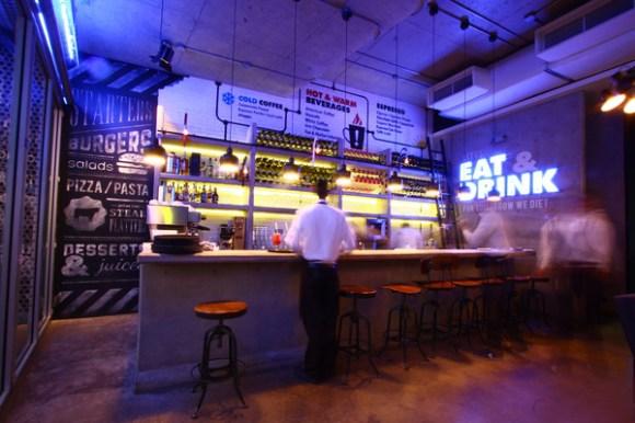 COZMO Café : Branding 05