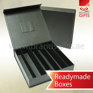 Black Date and Chocolate Box with dividers and pouch www.brandsgifts.ae