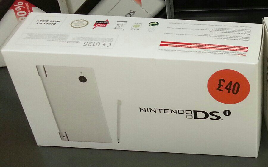 Nintendo DSi £40 Nintendo DSi Reduced to £40 & DSi XL £50 in UK Stores