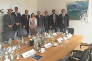 Encontro de deputados bávaros e mineiros na presença do Cônsul-Geral Adjunto do Brasil em Munique, Paulo Roberto da Costa Pacheco.