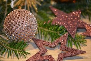 christmas-balls-1847383_640
