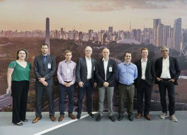 Delegação visita Mercedes-Benz