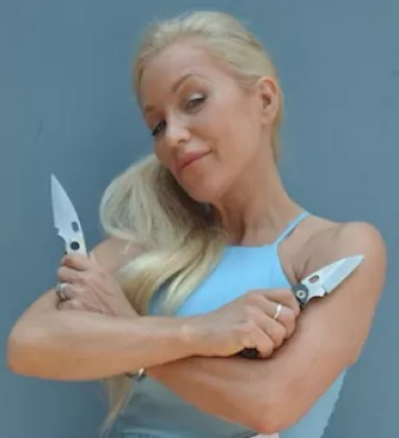 sheliaknife5