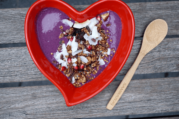 breakfast criminals heart bowl chia oat pitaya pudding