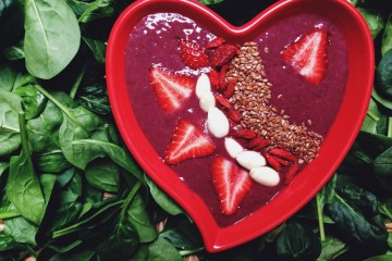Dragonfruit Spinach Raw Smoothie Bowl _ Breakast Criminals 1