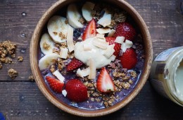 紫色爱死燕麦& Chia Bowl with acai