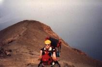 Eine meiner ersten Solo-Reisen führte mich zum Gipfel des Stromboli
